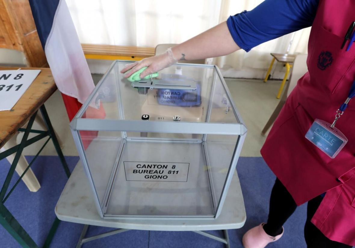 انتخابات فرانسه در سایه شیوع کرونا در قاره سبز ، سکوت رسانه ای ضد انقلاب