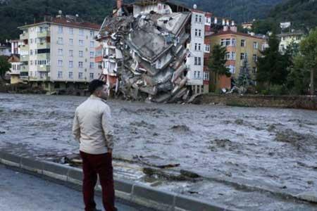 مرگ 27 تن از شهروندان ترکیه در پی وقوع سیل